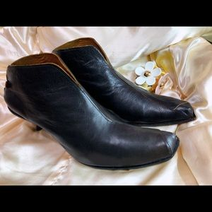 Cydwoq Vintage Heeled Booties Made in the US